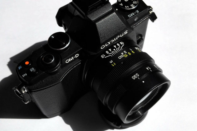 Mitakon 25mm f 95 micro four third