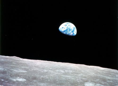 apollo_8earthrise_1280.jpg